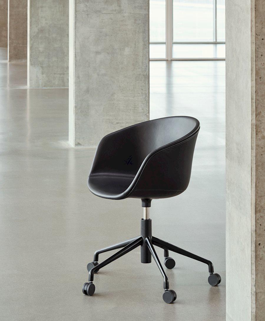 2530016105716Zzzzzzz Aac 53 Upholstery Silk0842 Legs Black Powder Coated 910X1100 Brandvariant